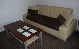 naprawa tapicerki kanapy