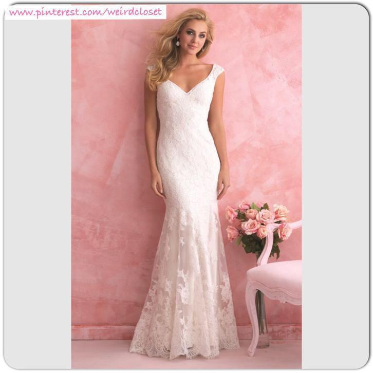 Bruidsjurk van kant in rechte stijl met sexy lage open rug