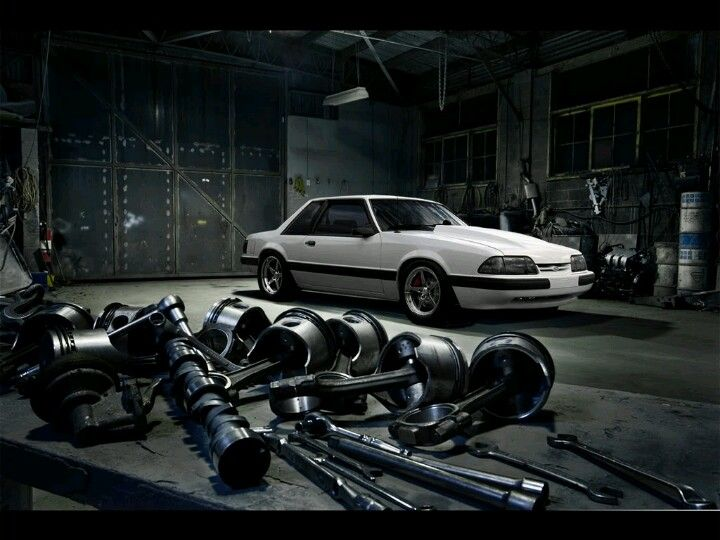 I love this pic... I should get into automotive photography