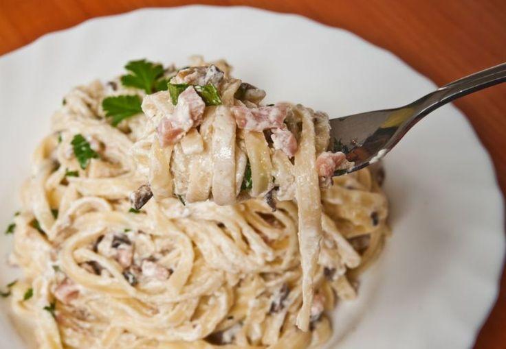Spaghetti alla carbonara – spaghetti med bacon, ost og æg