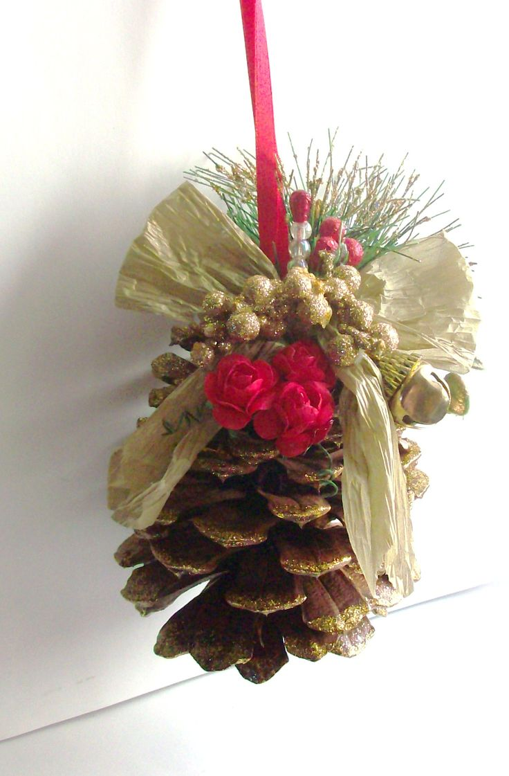 46 best images about pine cones on pinterest pine fall for Pine cone christmas ornaments crafts