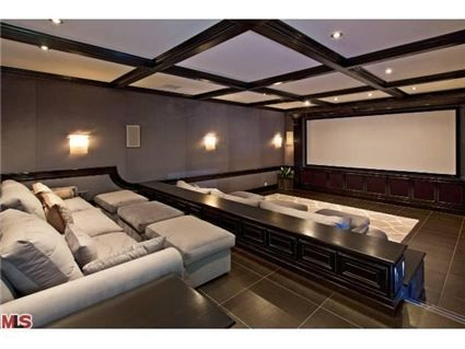 The seats in this home movie theater look so comfortable!