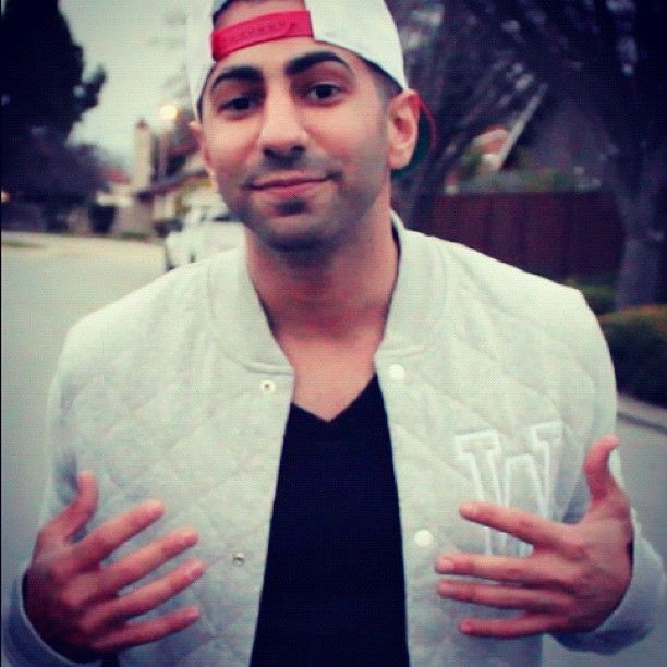Yousef Erakat here I'm 25 but u probably know me better as fouseytube but I also love making ppl laugh