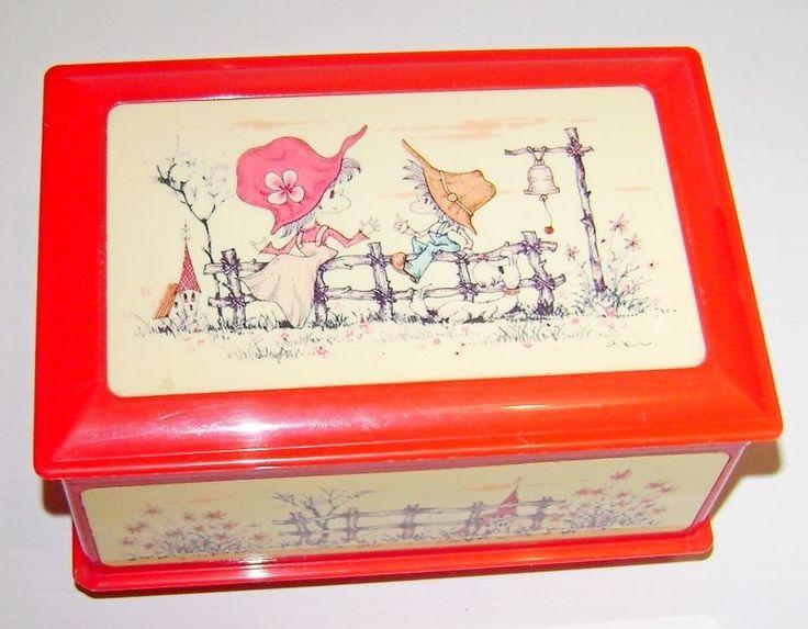 AKI 70s Japan beautiful plastic musical box red - carillon scatola musica kawaii