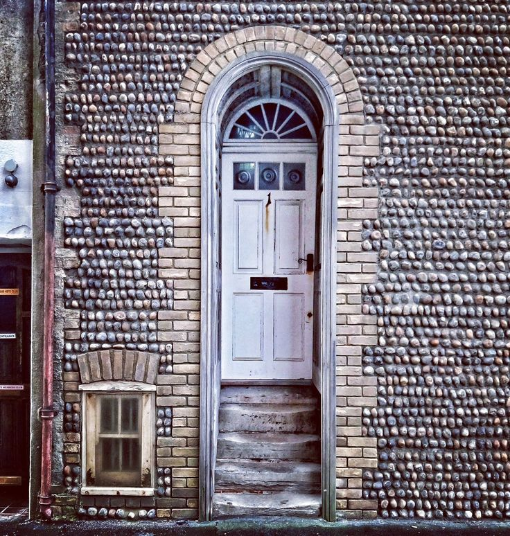 Photo by Ivy Arch (@ivyarch)   Number 1, Prospect Place #Worthing