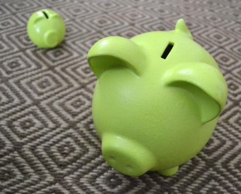 Spray painted piggy banks - I finally followed through with a project I pinned!