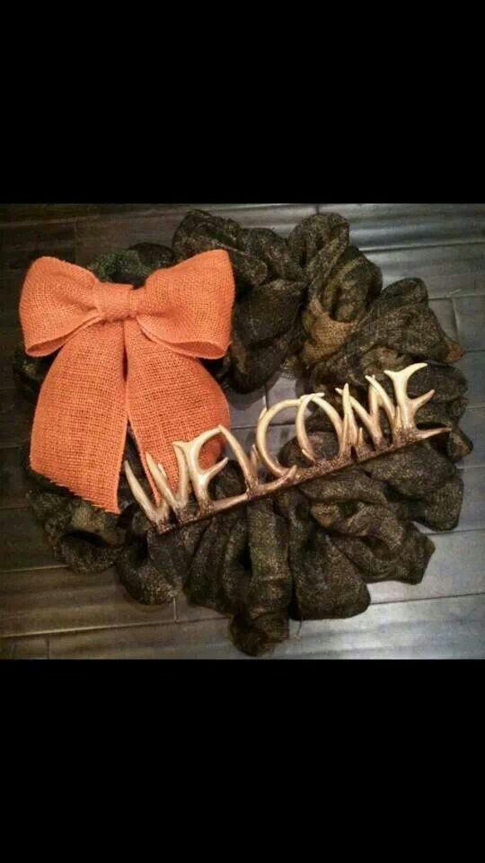 Camo Burlap wreath! Super freakin cute!!!