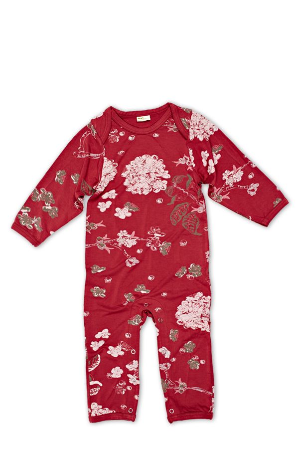Baby Bamboo Jammers are made from bamboo fiber, a sustainable natural fabric that is hand printed with This Is J's unique designs. Bamboo's microstructure enhances softness, breathability, and absorbency while wicking away moisture and preventing skin irritation. #babyholiday #babygifts #babysfirstholiday