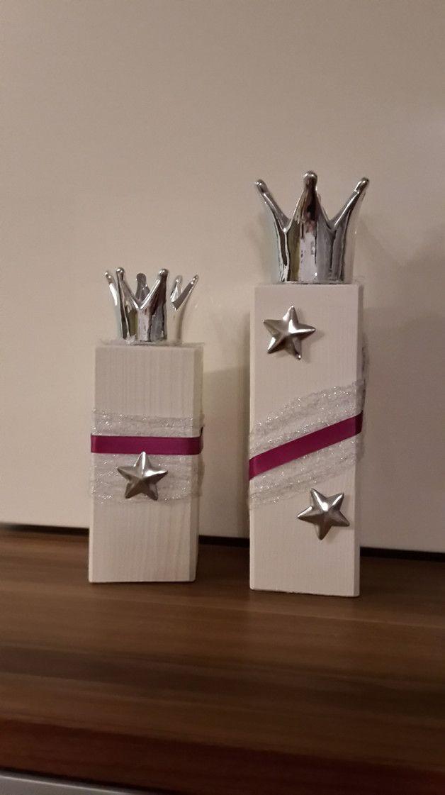 Superb Silberne Krone als Teelichthalter auf Holzstamm