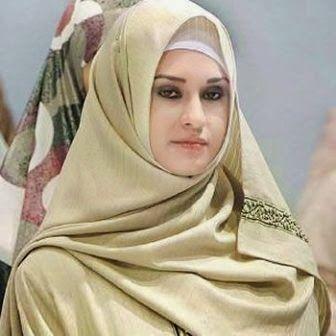 Kami akan berbagi tips menggunakan jilbab yang modis, sehingga sangat pantas jika dipadukan dengan busana muslim pilihan anda. Dan juga fashion terbaru