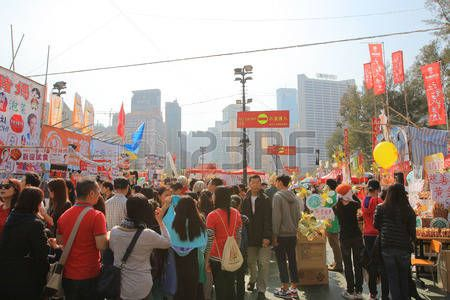 festival crowd for CNY at flower market in victoria park