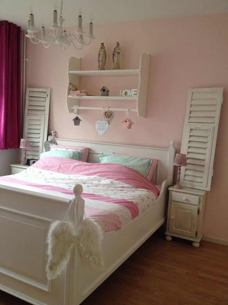 Brocante bedroom, pink....