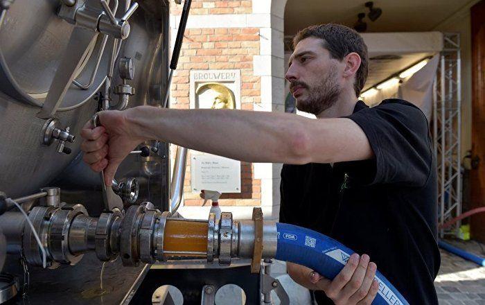Sputnik Türkiye ///  Almanya'da heavy metal festivali için 'bira boru hatları' inşa edildi