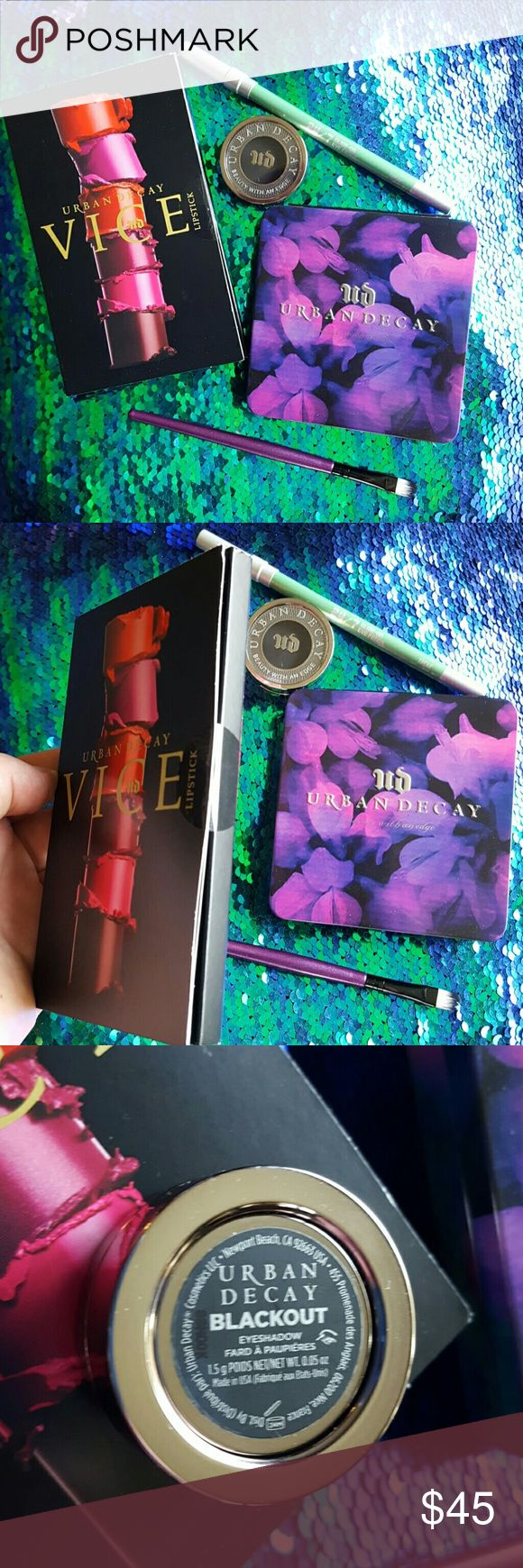 Urban Decay bundle WITH Bonus makeup bag! 1 empty Urban Decay singles palette 1 Urban Decay eyeshadow in Blackout (only swatched) 1 Urban Decay eyeliner in Freak (never used, but I bumped the tip taking off the cap for this photo x.x ) 1 Brand new never opened Vice Lipstick 24 color sampler 1 eyeshadow brush ALL WRAPPED UP IN AN URBAN DECAY COSMETICS BAG! Great starter pack! Lol Urban Decay Makeup
