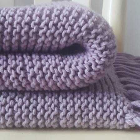 Chunky scarve; giant scarf; big knit; handmade blanket scarf; cozy knit accessoire gift; modern knit; urban fashion; blanket pastel
