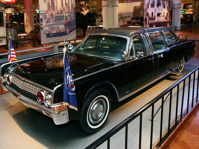 17 best images about jfk lincoln continental on pinterest jfk limo and john kennedy. Black Bedroom Furniture Sets. Home Design Ideas