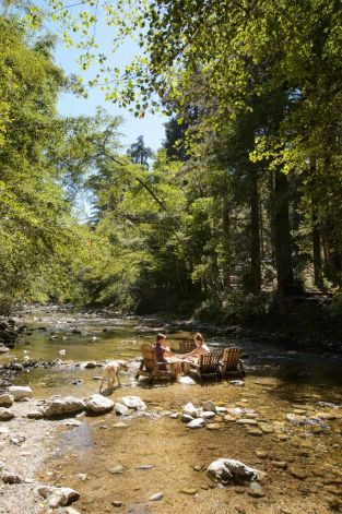 Big Sur River Inn: Its proxminity to the Big Sur River gives visitors an excuse to dip their toes in the water. Photo: D.M. Troutman, M...