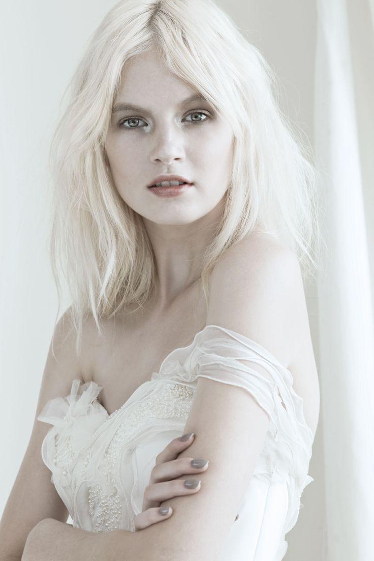 Mariana Hardwick - Precious Curiosities 2012 Amiel Gown