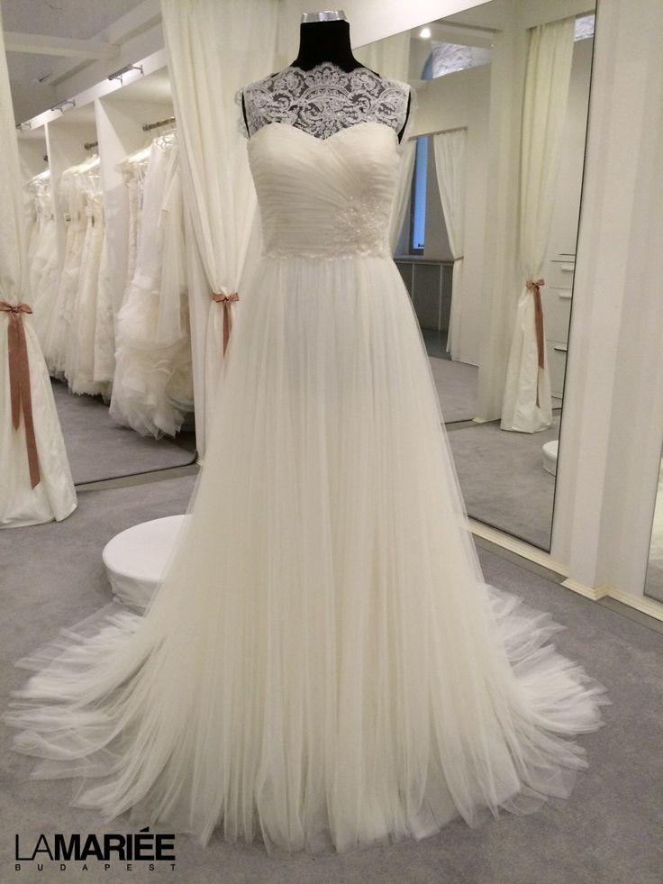 2014 Almanovia - Naiara menyasszonyi ruha by Rosa Clará http://lamariee.hu/eskuvoi-ruha/almanovia-2014/naiara