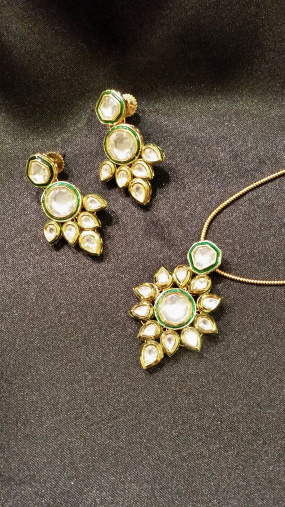 Kundan Pendant Earring set in floral design