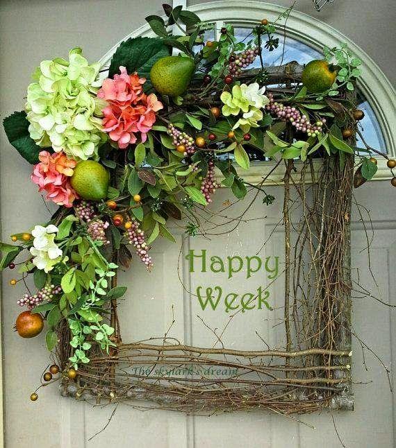 wianek z galezi kwiatow i owocow