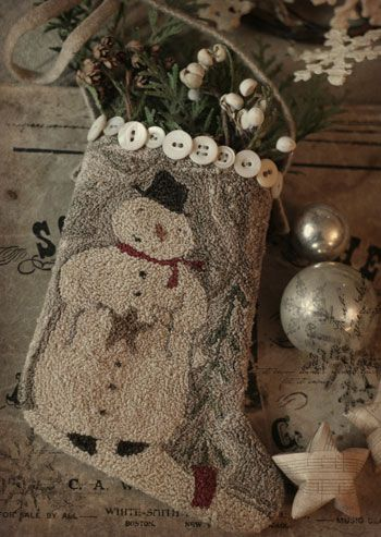 Winter Stocking - I love punch needle embroidery! This is so cute! #punch #needle