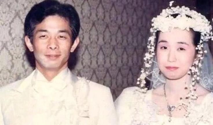 Berawal dari Cemburu Pria Ini Tak Pernah Bicara dengan Istrinya Selama 20 Tahun  KONFRONTASI- Perang dingin terjadi dalam mahligai rumah tangga pasangan asal Jepang hingga tak saling berbicara sampai 20 tahun lamanya. Berawal karena cemburu suami tidak pernah mengucapkan sepatah kata pun pada istri meski tetap hidup satu atap.  Walau tidak mau berbincang Otou Katayama tinggal dalam satu rumah dengan istrinya Yumi dan tiga anak mereka. Yumi sebenarnya sering mengajak Otou berbicara tapi hanya…
