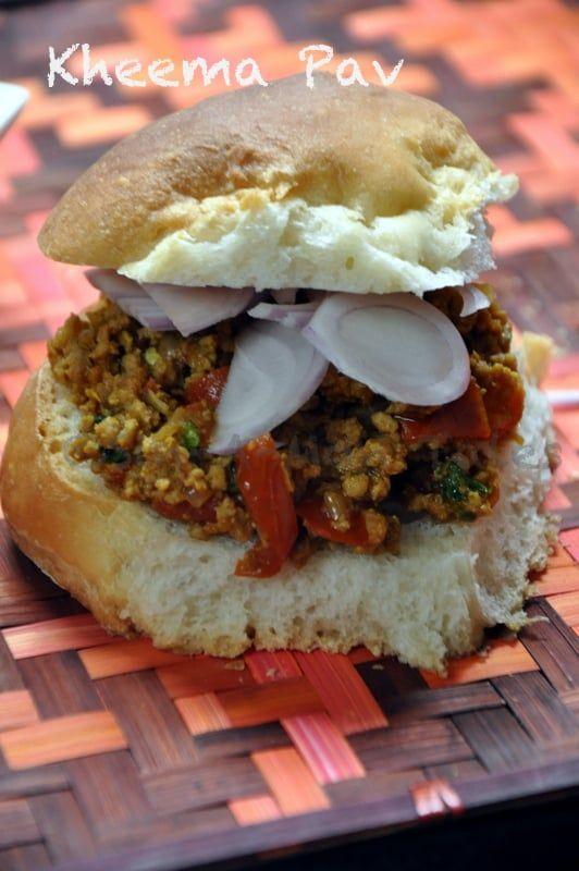 Kheema Pav : Mumbai Street Style  I love street food is not a news to the regular reader of this blog. I think every city's street food has a character of its own, whether its Delhi kulcha chola and aloo tikki or Kolkatta's puchka or Bangalore's ragda patties or Mumbai's pav bhaji or for the meat lovers the kheema pav.  Read more at: http://www.sinamontales.com/kheema-pav-mumbai-street-style-recipe