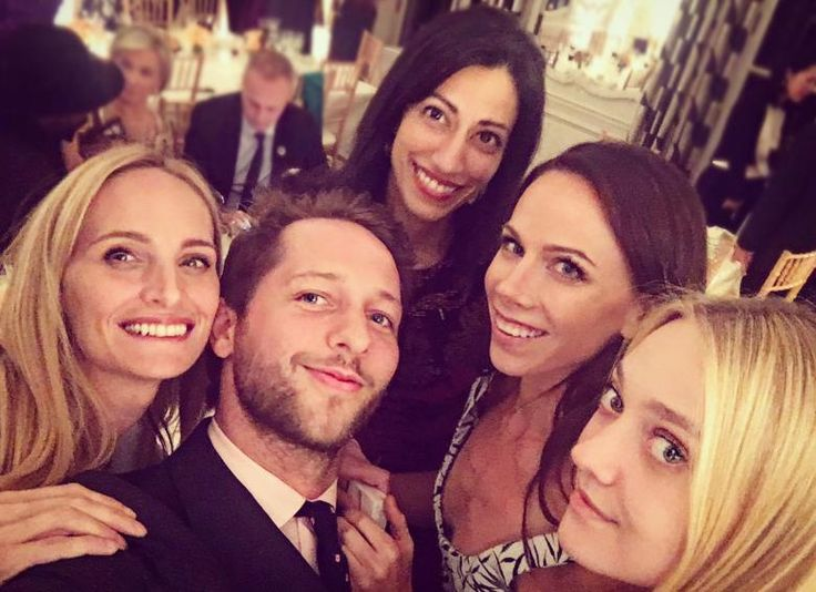 Barbara P. Bush, daughter of President George W. Bush, was pictured with top Hillary Clinton aide Huma Abedin in an Instagram photo taken by a New York socialite in Paris.