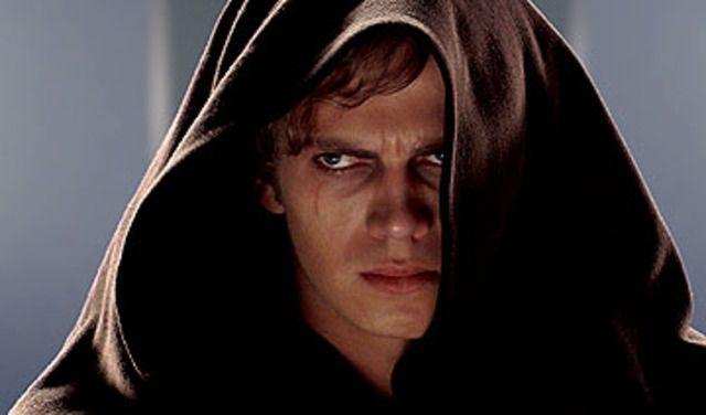 Anakin Skywalker est un peu comme un crush... j'ai trop pleurer quand il a basculer du côté obscur. Je sais, je suis bizarre.