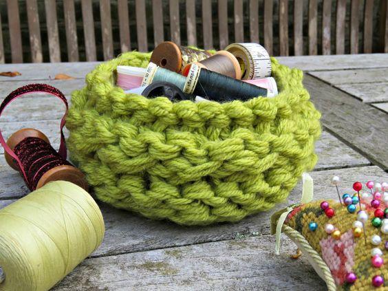 just saying ...: Stash-busting knitted basket ...