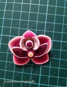 Мастер-класс Поделка изделие Квиллинг Розовая орхидея Бумага Бумажные полосы Клей фото 24