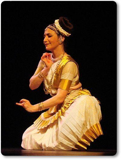 Mohiniyattam - Classical Dance of Kerala