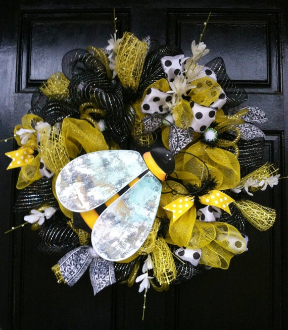 Hey, I found this really awesome Etsy listing at http://www.etsy.com/listing/125056028/bumble-bee-wreath-mesh-wreath-deco-mesh
