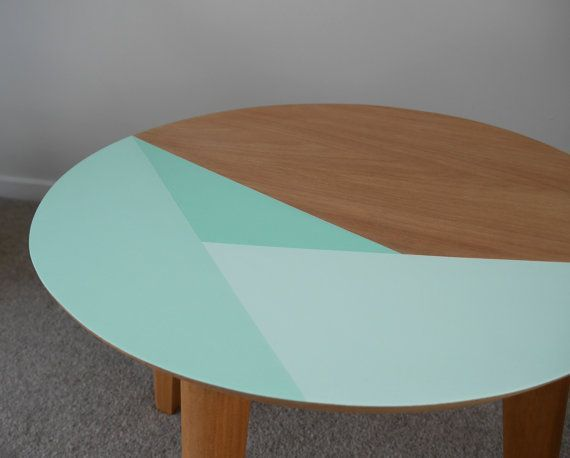 Image Result For Triangle Painted Wood Table Table Basse Table Basse Peinte Table Ronde Bois