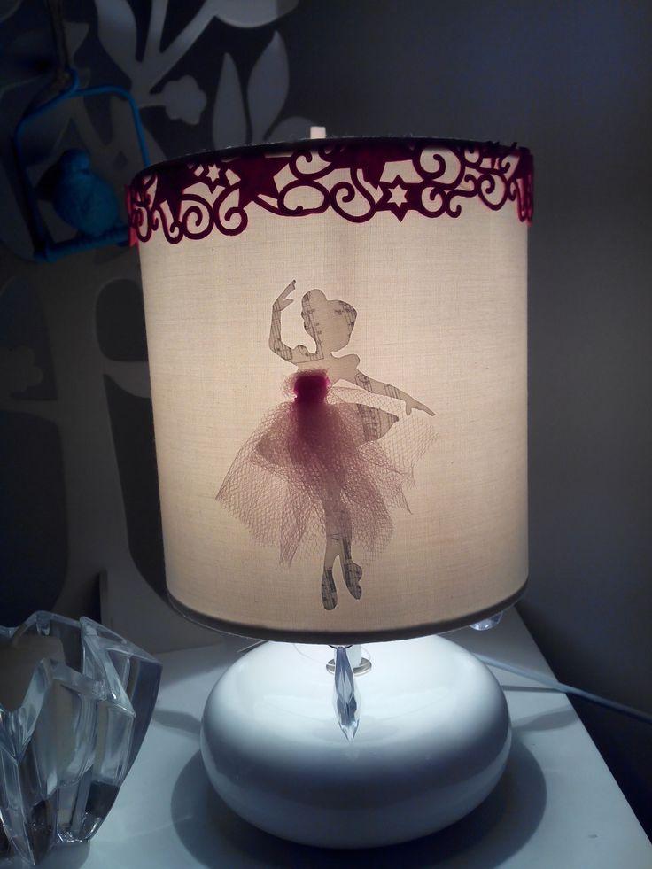 Lampe danseuse note de musique et robe en tulle thème baroque : Chambre d'enfant, de bébé par atelierdeflorine