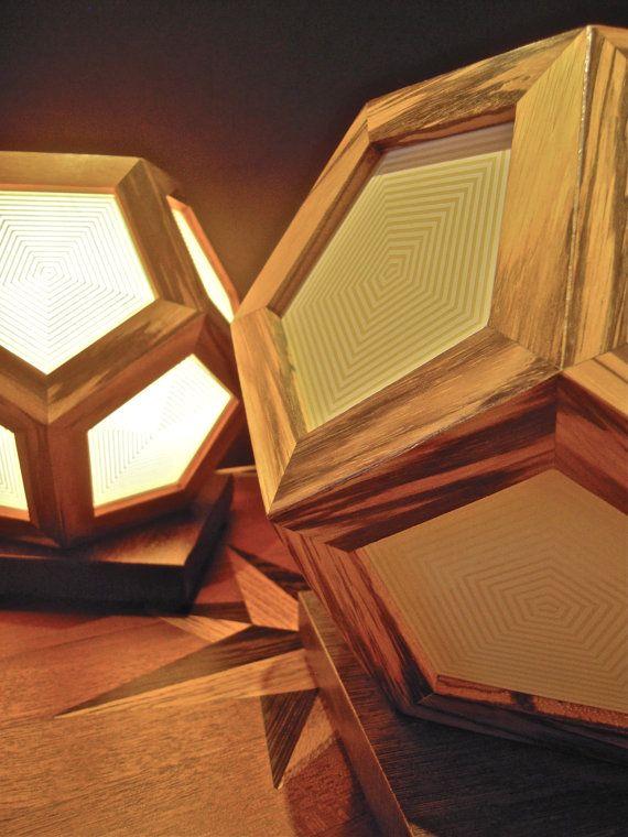 Lampada da tavolo in legno di Zebrano  e Wengè di sottovento