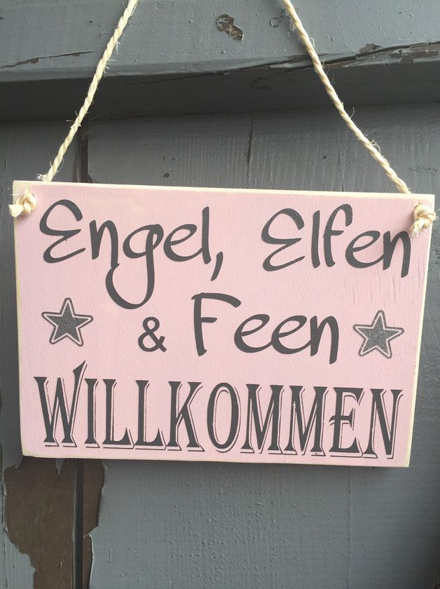 """Holzschild """"Engel, Elfen und Feen Willkommen. Schönes Schild für ein Mädchenzimmer. Das Schild ist lackiert und mit einer Kordelaufhängung versehen."""