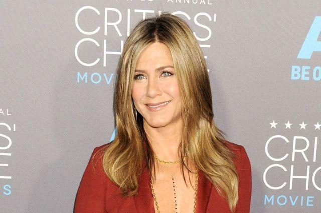 Jennifer Aniston Biography, Height, Weight, Wiki, Movie List