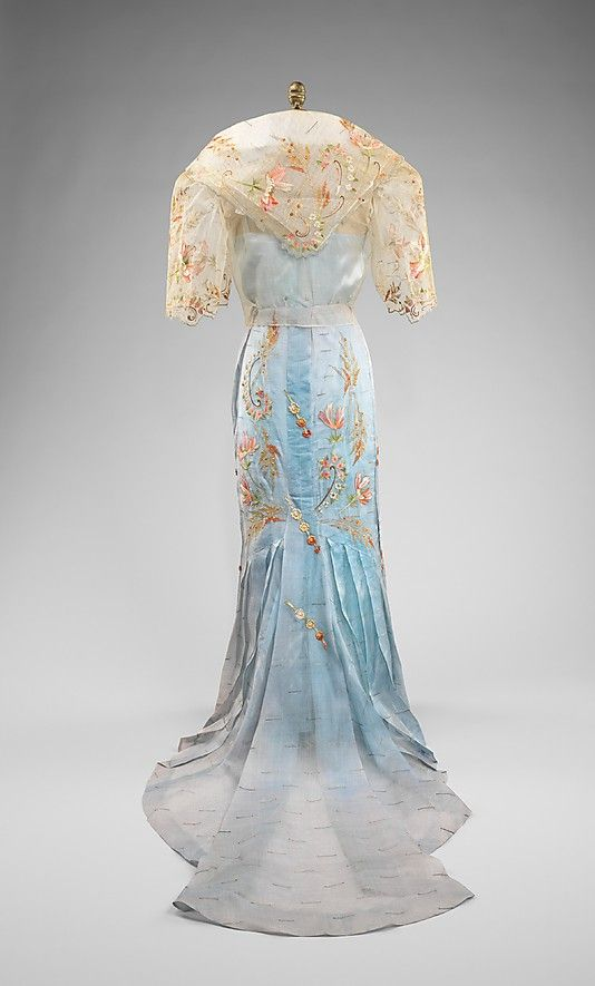 Ensemble The national costume of the Philippines, the baro't saya Date: 1920–40 Culture: Philippine