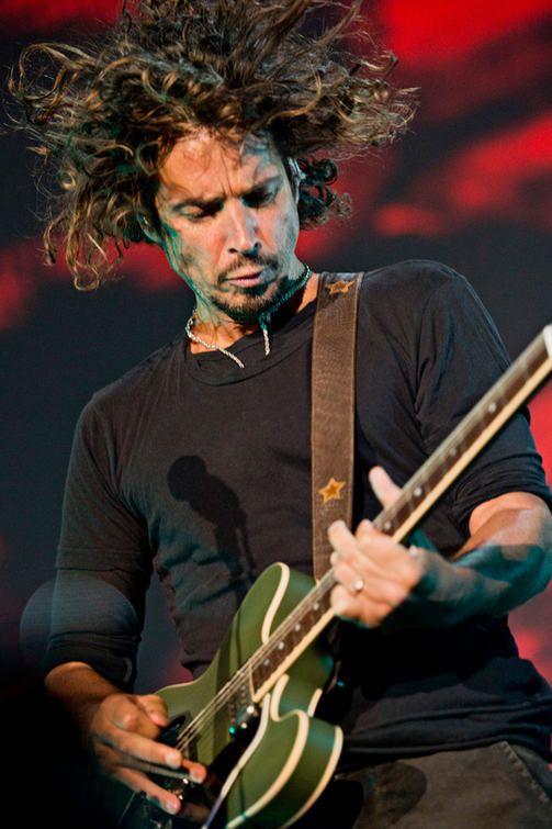 Soundgarden soitti, Chris Cornell - In Sensaphonics 3D Active Ambient