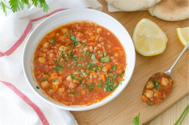 Fűszeres csicseriborsó leves