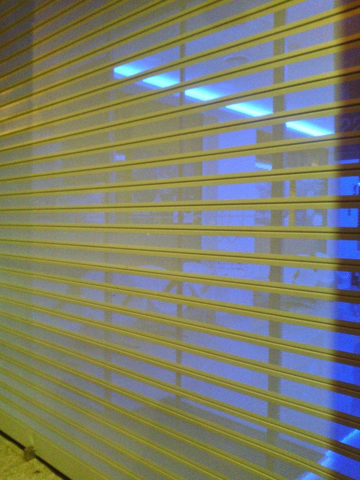 M s de 1000 ideas sobre puertas de persiana en pinterest puertas puertas azules y puertas verdes - Persianas mostoles ...