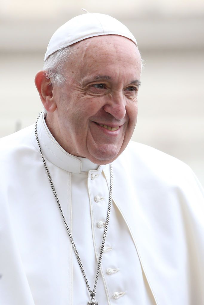 Pope Francis Arrives In St Peter S Square For His General Audience With Images Pope Francis Pope Saint Peter Square