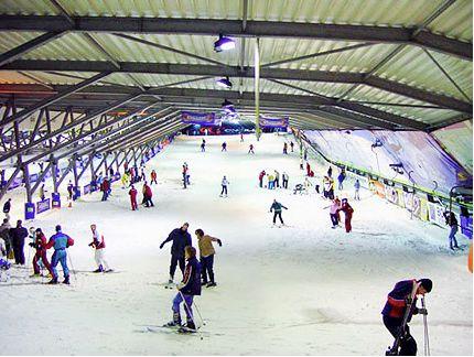 19 Snowboarden heeft Vincent enorm veranderd. Het heeft hem letterlijk getoond dat er meer is dan Lille en omstreken. Claire is een keer meegegaan naar Landgraaf, wat hem enorm veel plezier heeft gedaan.
