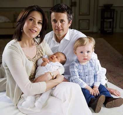 Prince Christian and newly born princess Isabella