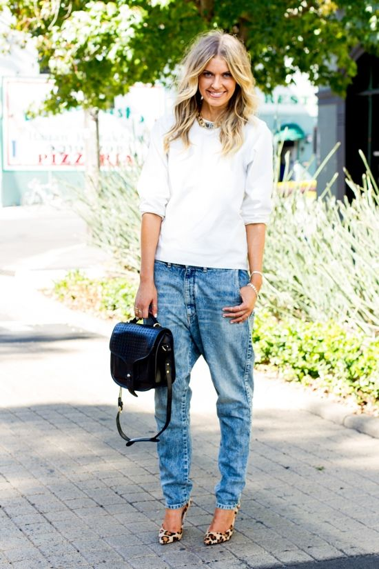 super-baggy jeans, a white sweater, and a pop of print on her feet.   Photo via They All Hate Us  Read more: http://stylecaster.com/spring-chic-50-stellar-street-style-outfits-to-copy-right-now/#ixzz3TguayOPZ