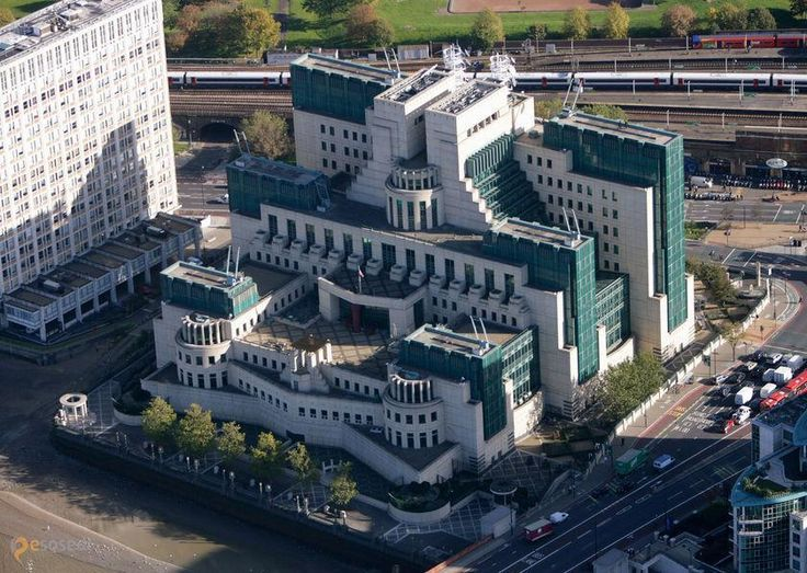 Штаб-квартира Ми-6 – #Великобритания #Англия #Лондон (#GB_ENG) Штаб-квартира MI6 - архитектор явно заморочился. Кажется, это постмодернизм... Напоминает некое ацтекское культовое сооружение, не находите?  ↳ http://ru.esosedi.org/GB/ENG/1000185051/shtab_kvartira_mi_6/