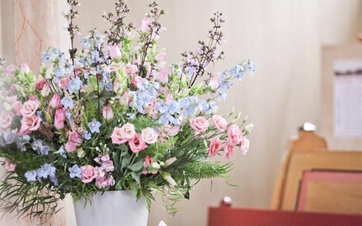 Veldboeket roze/blauw prachtig boeket