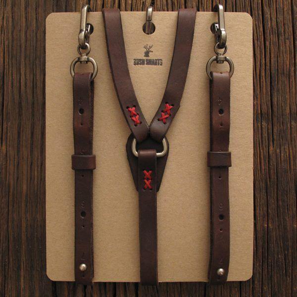 Auf Deine breiten Schultern passt locker ein Baumstamm. Oder die Woodmen Suspenders von Bush Smarts: Die rustikalen Hosenträger aus dickem, weichem...